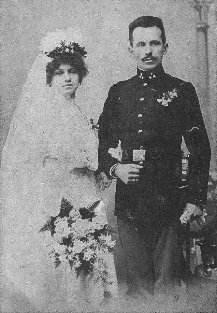 Karol ed Emilia Wojtyla il giorno del loro matrimonio (1904)