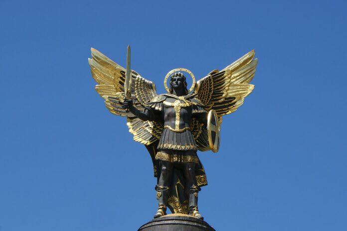Arcangelo Michele corona angelica
