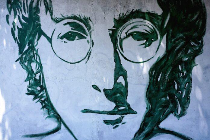 John Lennon: dietro la maschera del mito