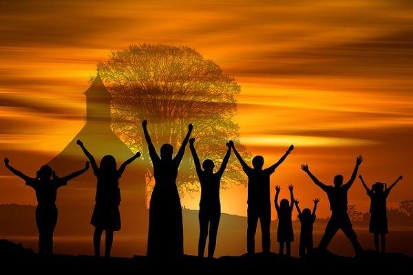 famiglia, comunità, chiesa, preghiera, lode
